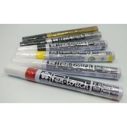 SAKURA Pen-Touch Medium Marker